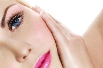 Уход за кожей будет более эффективным, если почаще просто позволять глазам отдыхать