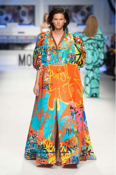 Показ Moschino на Неделе моды в Милане | галерея [5] фото [7]