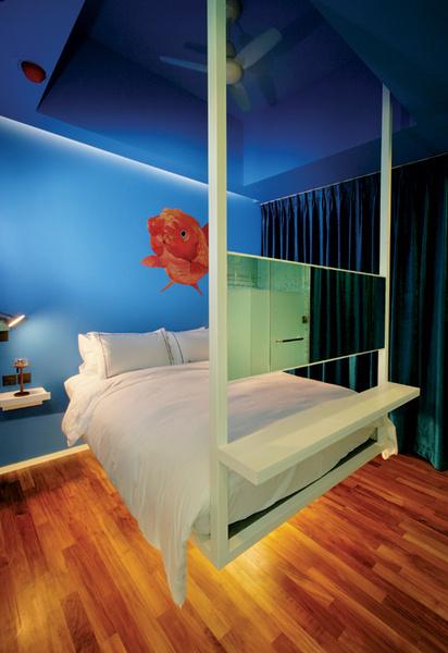 Идея 10: кровать, подвешенная к потолку