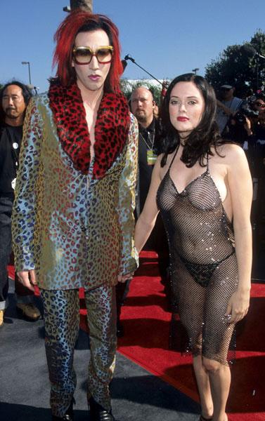 «Голый наряд» телезвезды Санди Картер ошеломил Америку