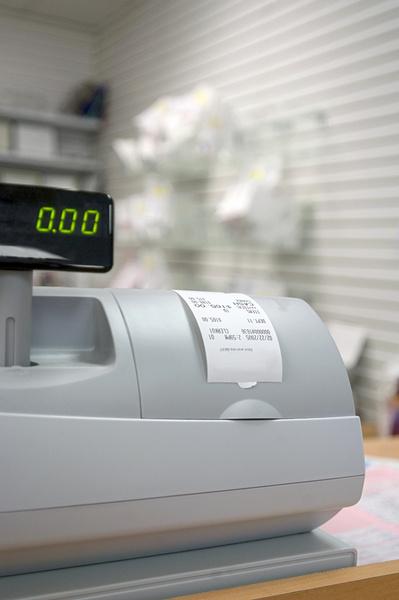 Знать технику нужно – ровно настолько, чтобы отличить кассовый аппарат от принтера.
