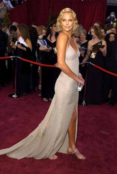 "Шарлиз Терон в платье Gucci, ""Оскар""-2004"