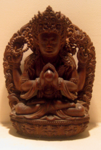 «Буддийская статуэтка нас оберегает»