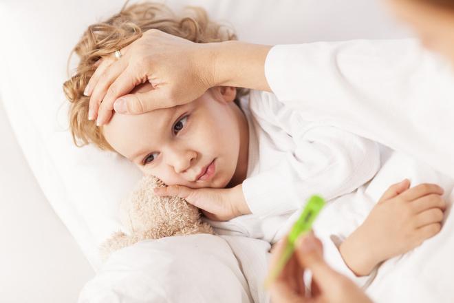 Ребенок температурит без симптомов