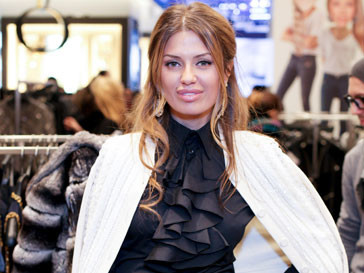 Виктория Боня на благотворительной распродаже в ЦУМе
