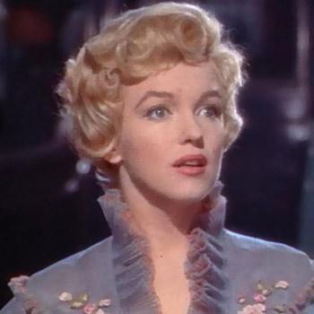 «Далекая от современных шаблонов красоты актриса по-прежнему – икона женственности», - считает Жак Дессанж.