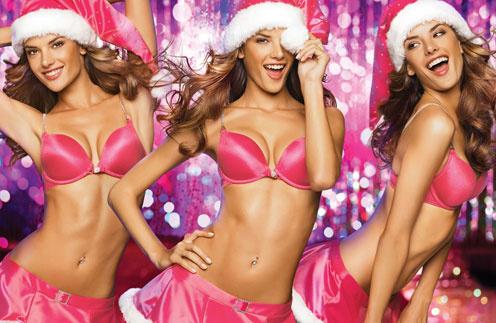 Алессандра Амбросио в образе сексуального Санта Клауса