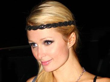 На Пэрис Хилтон (Paris Hilton) напала участница движения FEMEN