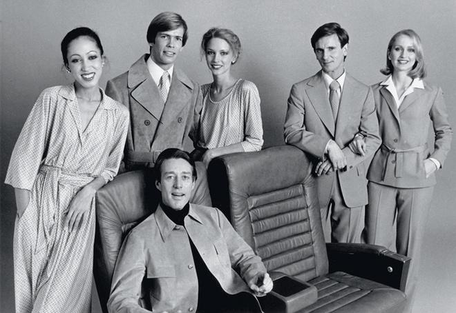 Хальстон со своими моделями, 1975 год.