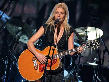Гвинет Пэлтроу (Gwyneth Paltrow) выступит вместе с Beady Eye