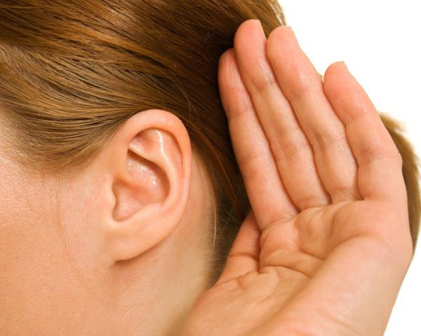 Удалить воду из уха