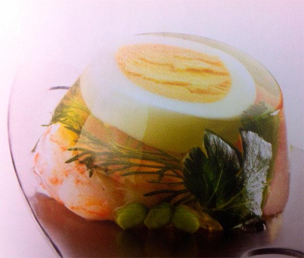 Заливные яйца с ветчиной