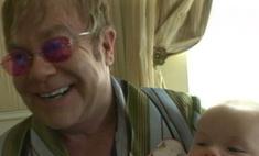 Элтона Джона номинировали на звание лучшего отца года