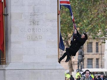 Лондон, арест, Pink Floyd, беспорядки
