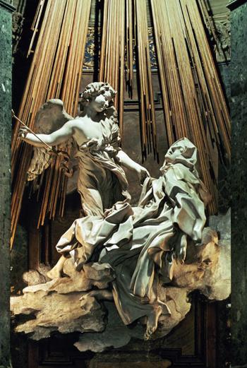 Копье ангела направлено святой Терезе прямо в сердце