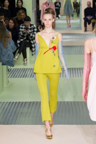 Показ Prada на Неделе моды в Милане | галерея [1] фото [3]