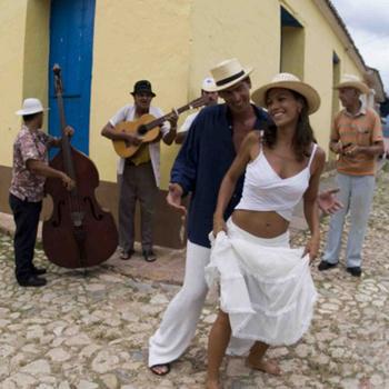 Организаторы уверяют, что танцы на фестивале будут не менее зажигательными, чем на Кубе.