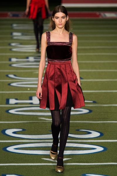 Показ Tommy Hilfiger на Неделе моды в Нью-Йорке | галерея [2] фото [2]