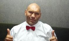 Николай Валуев разрешил подергать его за уши в день рождения