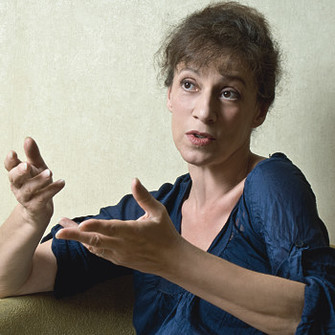 Марина Арутюнян, психоаналитик, президент Московского психоаналитического общества, член Международной психоаналитичеcкой ассоциации (IPA), кандидат философских наук.