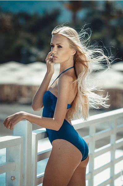 Красивые женщины: фото
