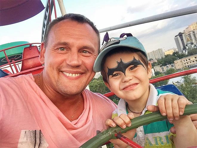 Степан Меньщиков с сыном Ваней, фото