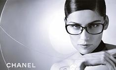 Гостья из будущего: Летиция Каста в рекламной кампании Chanel