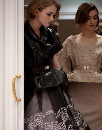 Бэкстейдж показа Christian Dior Haute Couture Spring/Summer 2012