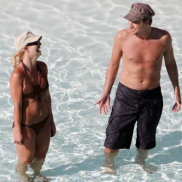Бритни Спирс и Джейсон Травик на Багамах