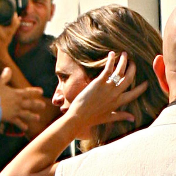 Обручальное кольцо Реи Дюрам.