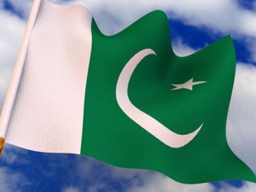 19 студенток из Пакистана смогли разместиться в автомобиле Smart
