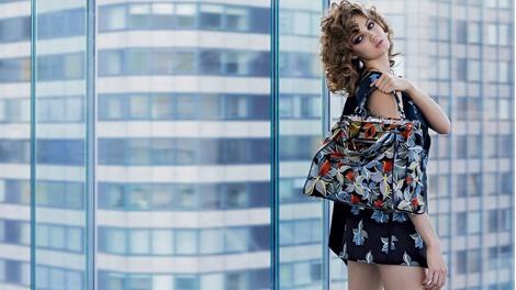 Карл Лагерфельд снял новую рекламную кампанию Fendi | галерея [1] фото [7]
