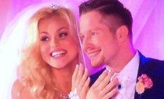 Звезда мюзикла «Голубая камея» вышла замуж в прямом эфире!