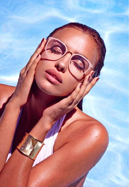 Ирина Шейк в рекламной кампании Linda Farrow, весна-лето 2015