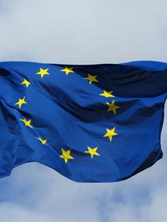 Европа и США упрощают выдачу виз для россиян