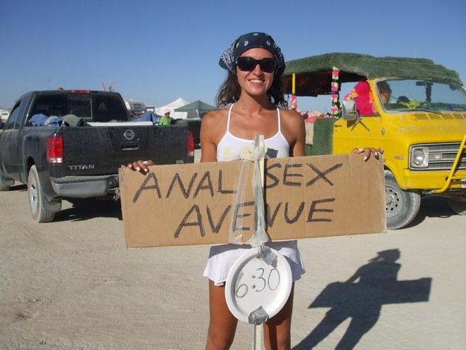 Burning Man – самый психоделический фестиваль Америки, который питается своим безумством уже больше двадцати лет.