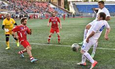 Звездный футбол в Новосибирске: фоторепортаж