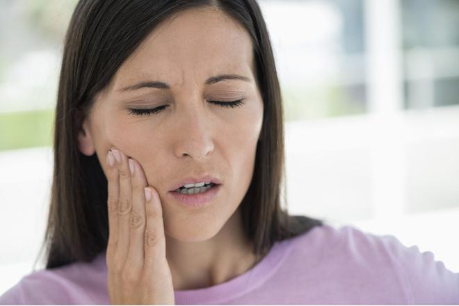 Если на зуб больно нажимать
