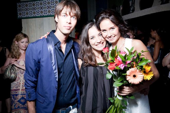 Марк Тишман и Виктория Дайнеко пришли поздравить именинницу.