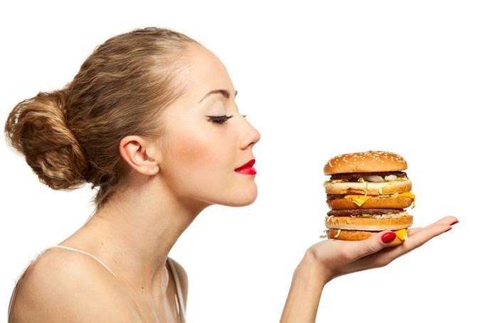«Когда твой лучший друг пытается тебя убить»: как жить с расстройством пищевого поведения