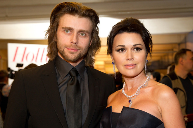 Анастасия Заворотнюк с мужем фото