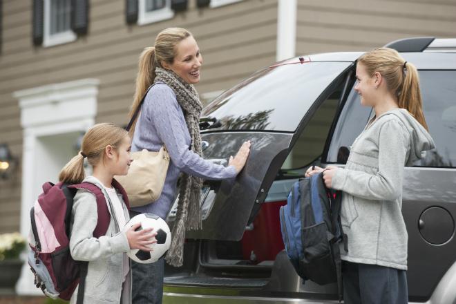 Уход за авто: инструкция для девушек