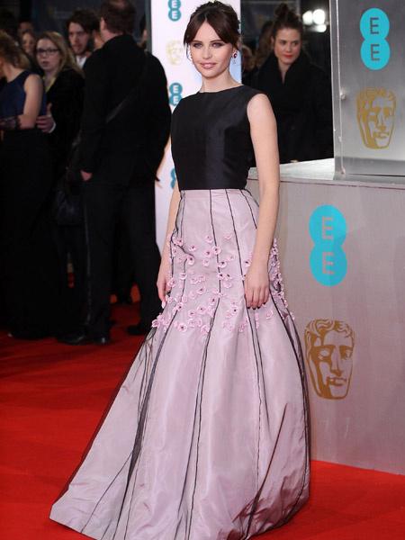 Фелисити Джонс на премии BAFTA 2015