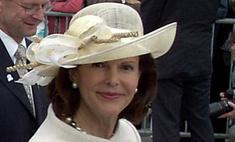Королева Швеции пострадала из-за папарацци