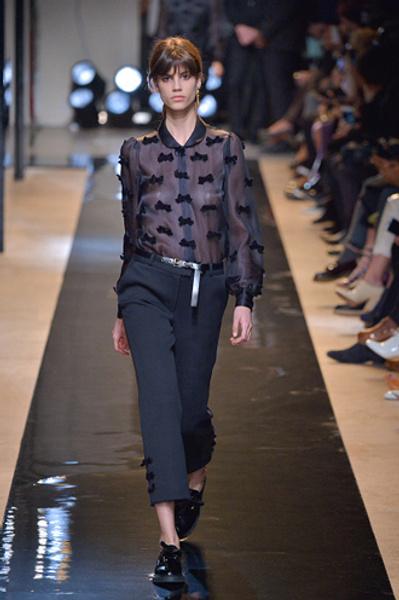 Неделя моды в Париже: показы Alexander McQueen и Paul & Joe ready-to-wear осень — зима 2015-2016   галерея [2] фото [5]
