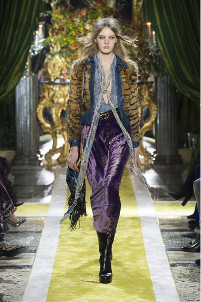 Самые красивые образы Недели моды в Милане | галерея [1] фото [34]
