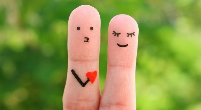 Почему нас пугает скороспелое признание в любви?