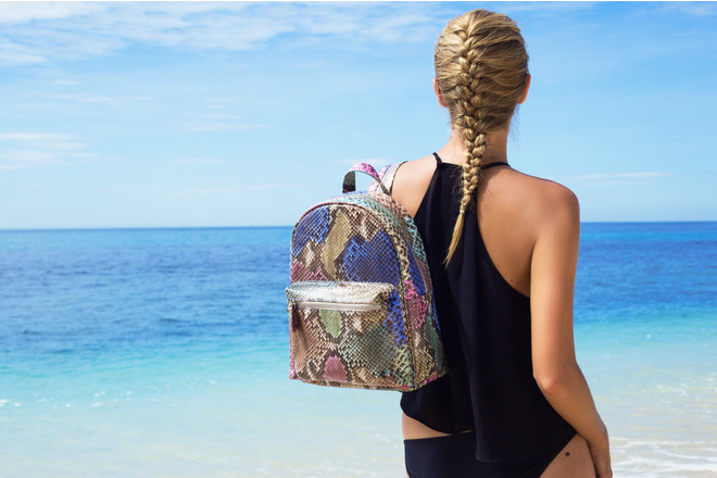 Рудковская яна с рюкзаком из питона рюкзак кенгуру womar 8 синий