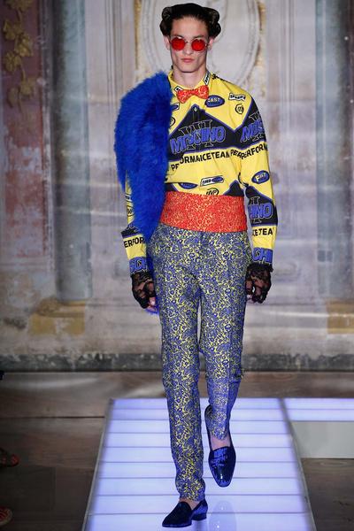 Во Флоренции прошел показ мужской коллекции Moschino | галерея [2] фото [7]