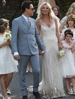 Кейт Мосс (Kate Moss) и Джейми Хинс (Jamie Hince) поженились летом 2011 года